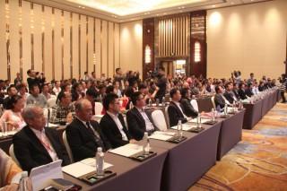 300多位中外学者及企业家论道 betvlctor伟德企业营销、管理与资本运作