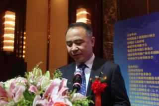 开幕式致辞:中国食品土畜进出口商会副会长戎卫东 ()