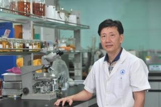"""大型真菌学研究专家李泰辉40年科考 解锁""""毒菇"""" DNA密码 ()"""