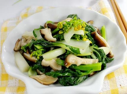 鲜菇炒白菜心的做法
