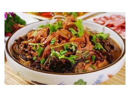 东北人爱吃的小鸡炖蘑菇怎么做?有几个关键点,大厨都不知