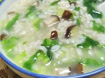 美食,一份简单鲜美的香菇白菜粥