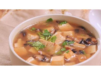 天气渐冷,来碗香菇豆腐浓汤吧,又暖身体又营养美味!