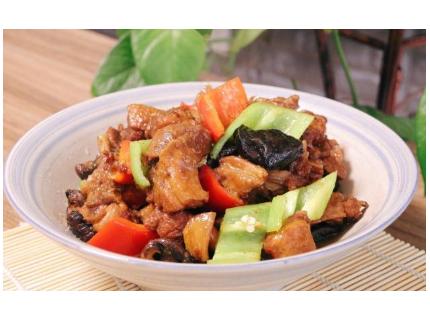 4月吃鸭正当季,和香菇一锅炖最过瘾,鸭肉不柴,汤汁香浓又下饭
