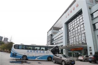 三峡大学天然产物研究与利用湖北省重点实验室参观 (8)