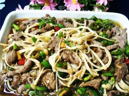 响油金针菇牛肉,突然想吃金针菇了,今天就和牛肉一起搭配个菜吧!